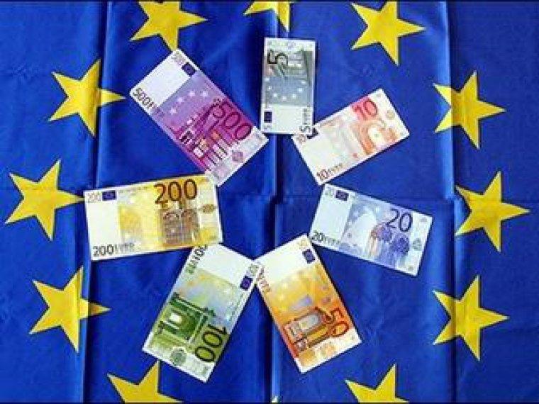 Литва готовится к переходу на евро: выстроились очереди в банки