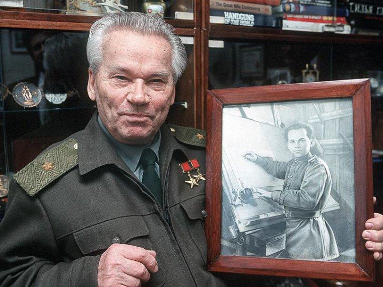 Издание: незадолго до смерти Калашников покаялся за АК-47