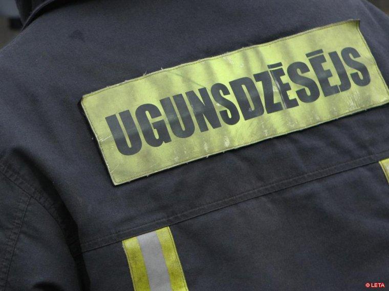 Взрыв газа в Риге: пострадали пожарные