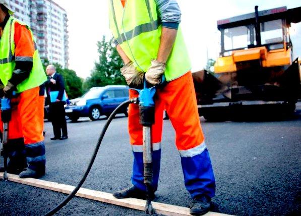 В этом году на дорогах заделаны ямы площадью 414,3 тыс. кв. м.