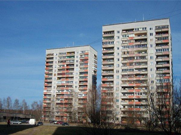 За год цены серийного жилья в Риге выросли на 4,1%