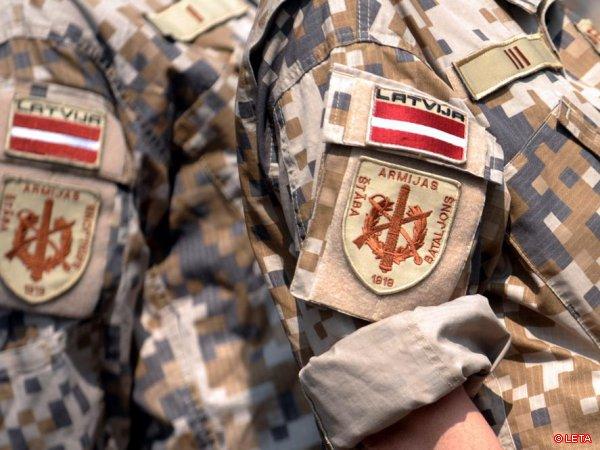 Министр обороны не поддерживает переход к обязательной военной службе
