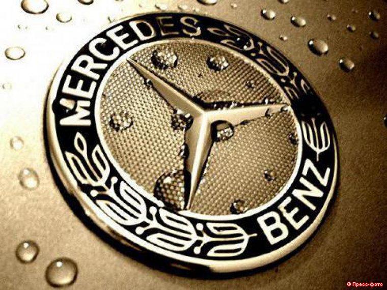 Mercedes отзывает 100 тысяч автомобилей