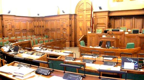 Сейм утвердил мандаты новых депутатов