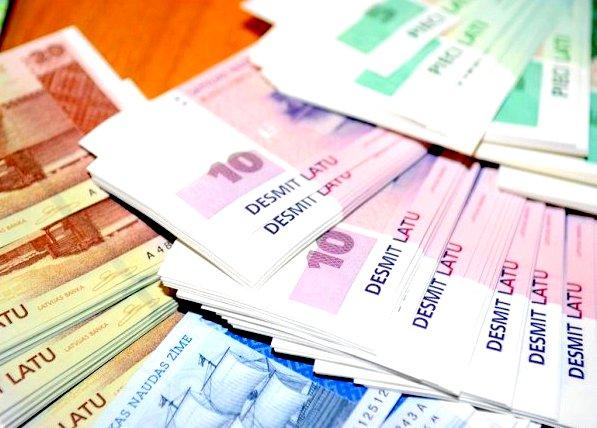 Жители Латвии еще не поменяли на евро 130 миллионов латов