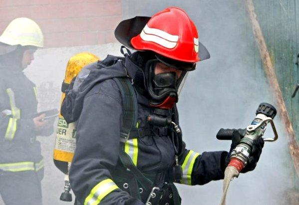 В пожарах пострадали три человека