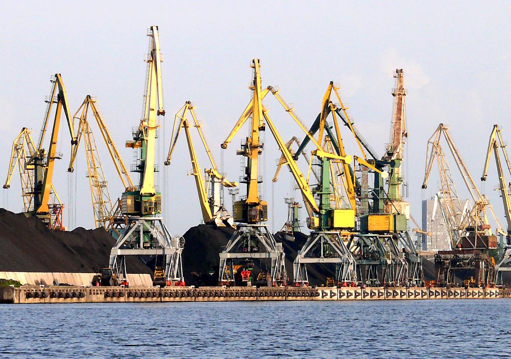 Рижский порт лидирует на Балтике по объему переваленных грузов