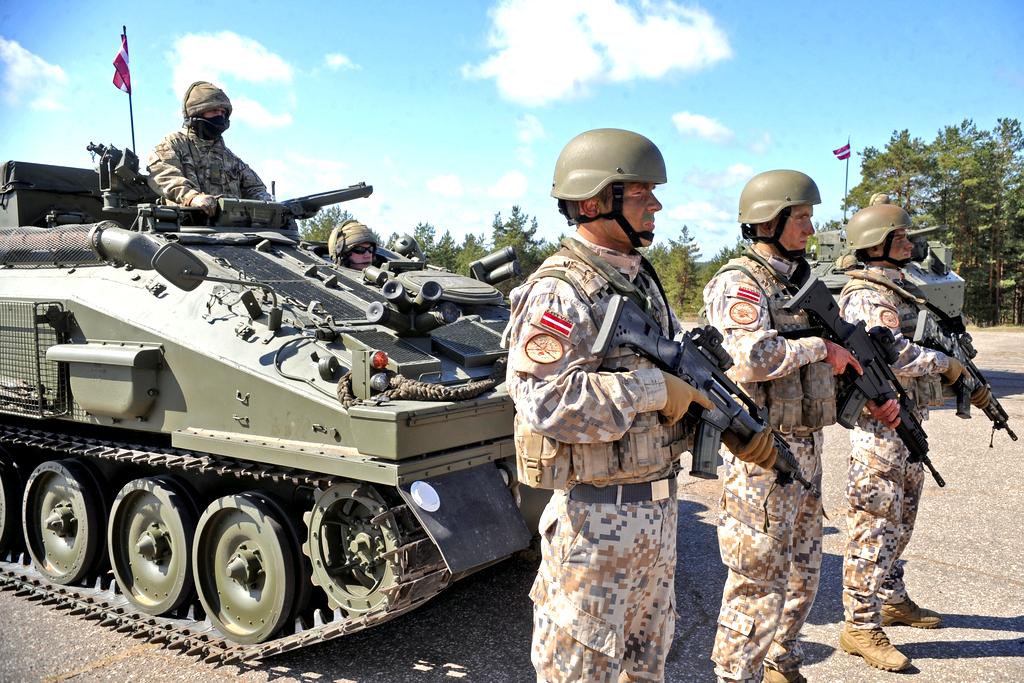 Американским танкам стало тесно в Литве — они переедут в Адажи