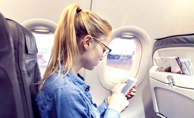 В Евросоюзе разрешено пользоваться интернетом на борту самолета