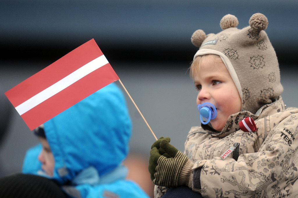 Опрос: жители Латвии всем довольны