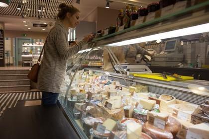 Санкции: россияне заметили рост цен на продукты