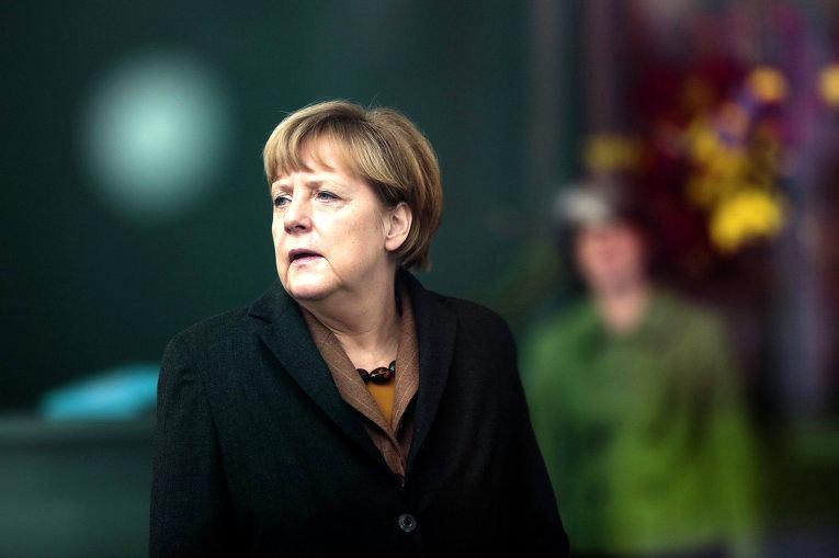 Меркель давит на Орбана из-за России
