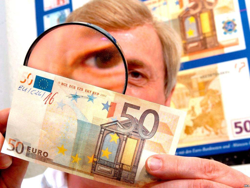 Житель Литвы обвиняется в распространении фальшивых евро