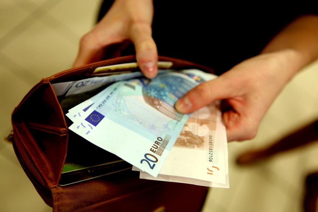 41% жителей Латвии не могут «свести концы с концами»