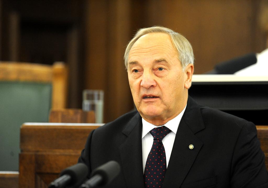 Президент провозгласил закон о государственном бюджете 2015 года