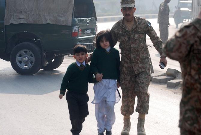 В Пакистане противники Charlie Hebdo атаковали христианскую школу