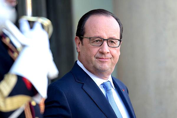 Олланд: Франция готова выступить за ослабление санкций против РФ