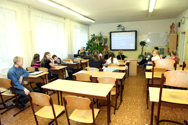 Латвийские школы потеряли 15 тысяч детей