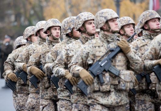 Минобороны Латвии потратит несколько десятков тысяч евро на рекламу службы в армии