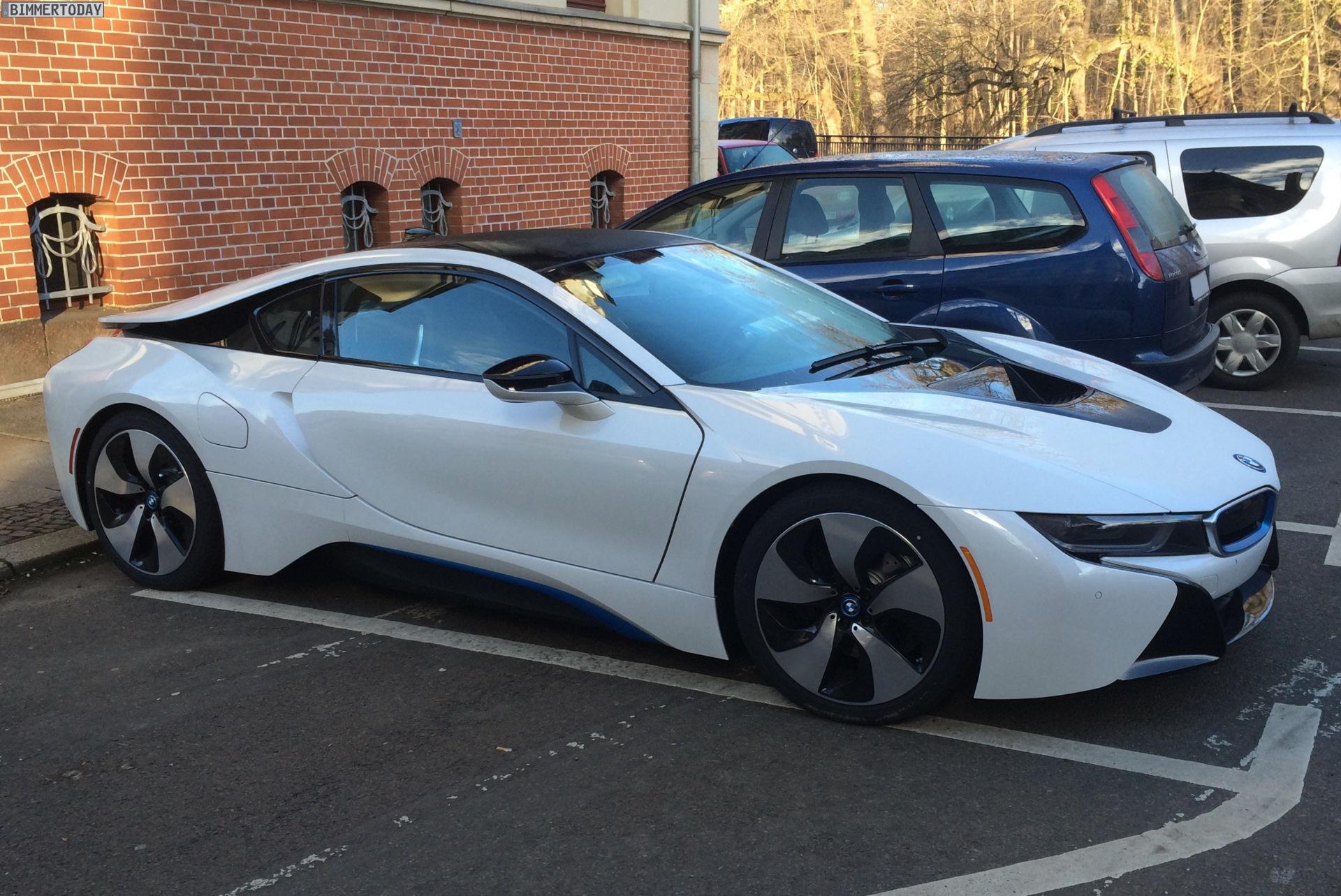Автомобиль года по версии Top Gear — это BMW i8