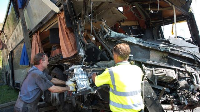 В Германии перевернулся автобус, пострадали 40 человек