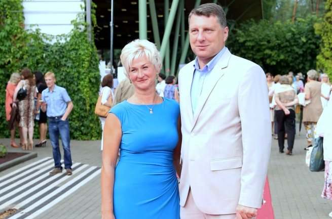 Вейонис и Казека съездили в Африку за государственный счет