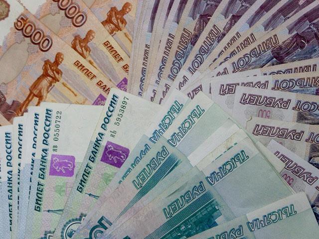 Рубль пал еще ниже. Евро уже почти 68