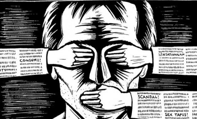 За что спецслужбы Латвии мстят газетам?