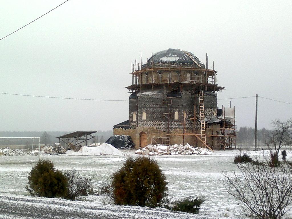 Храм на месте провала