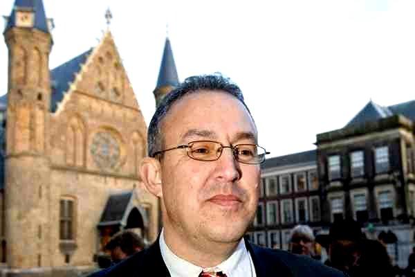 Мэр Роттердама предложил мусульманам «паковать чемоданы» и «проваливать»