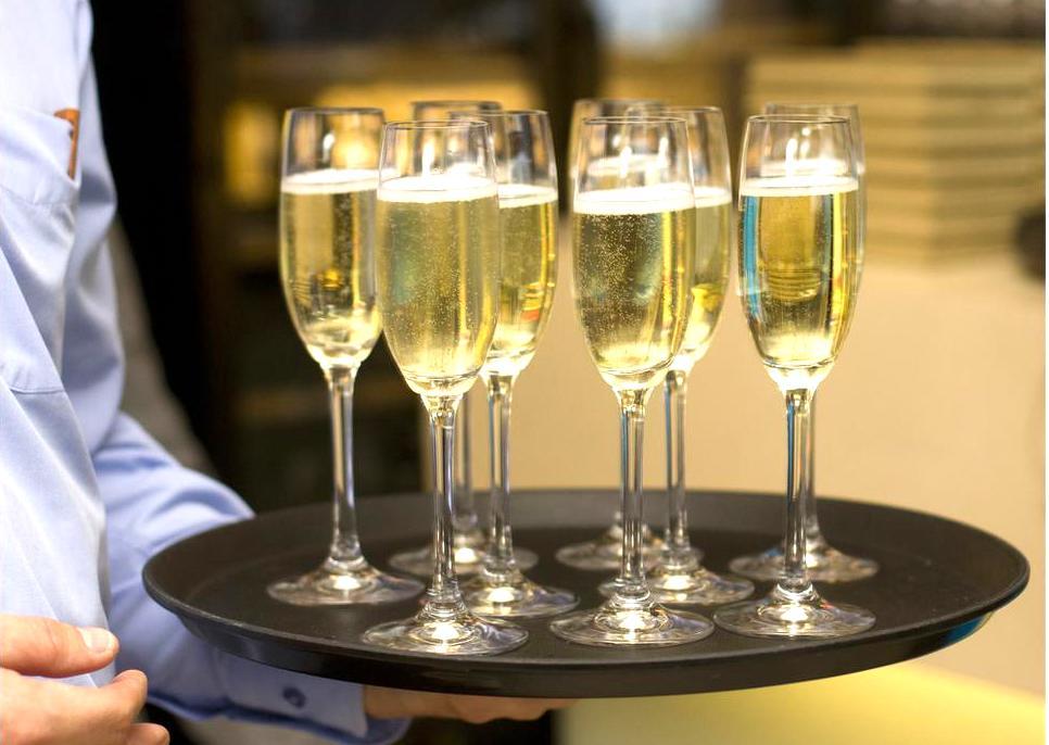 Гостей из Европы будут угощать латвийским вином