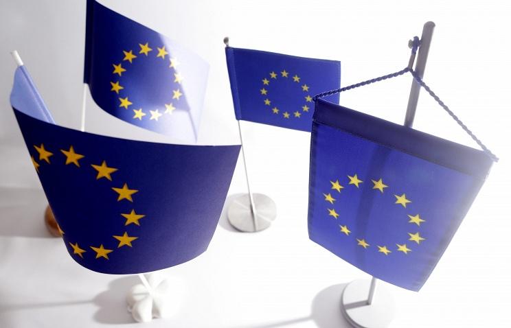 СМИ: ЕС готов смягчить санкции в отношении РФ