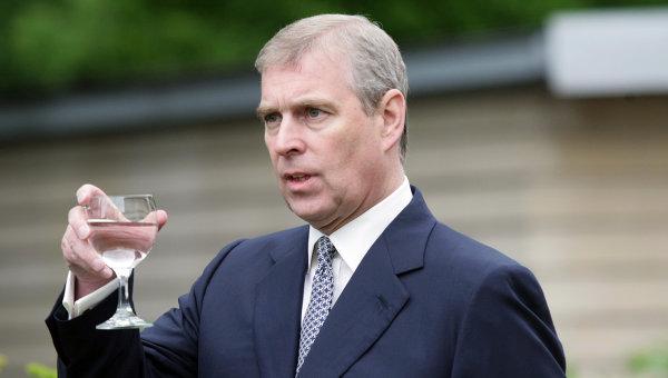 Британского принца Эндрю обвинили в связях с несовершеннолетними