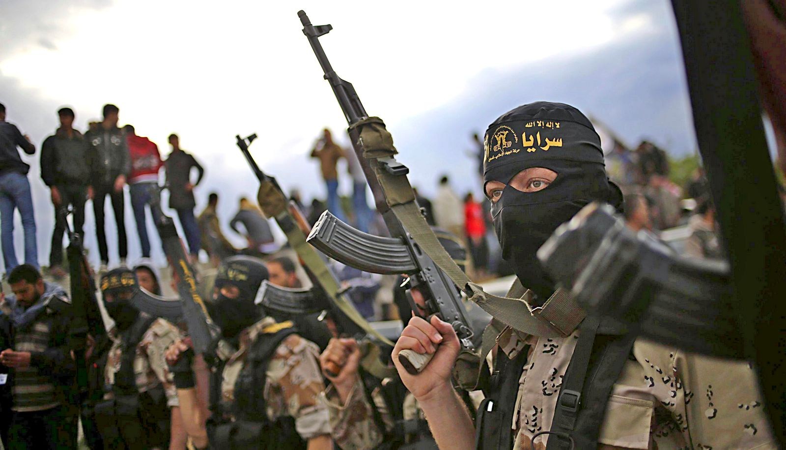 Боевики «Исламского государства» требуют 200 млн долларов за двух японских заложников