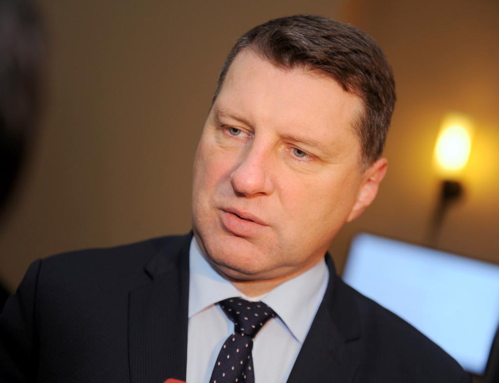 Министр обороны пригласил на встречу посла РФ