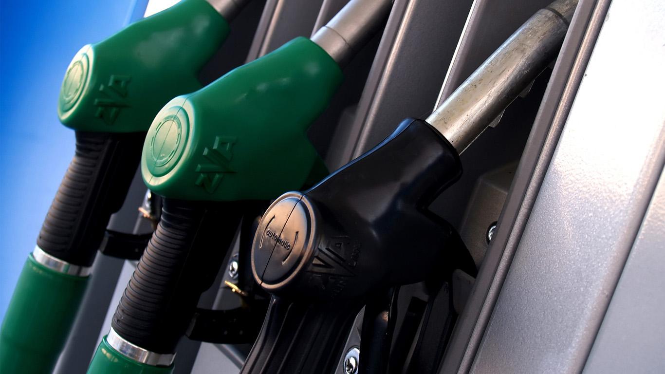 Цена на нефть упала еще на 5%