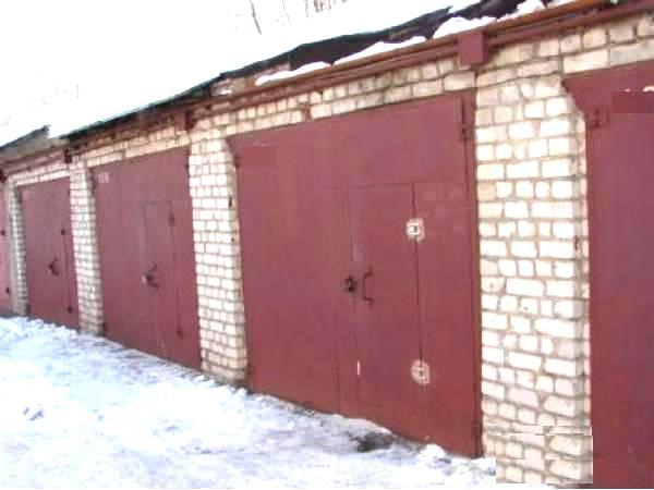Вскрыли 23 гаража. Что искали?