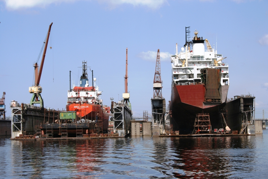 Результаты санкций: оборот на Кораблестроительном заводе упал за год в три раза
