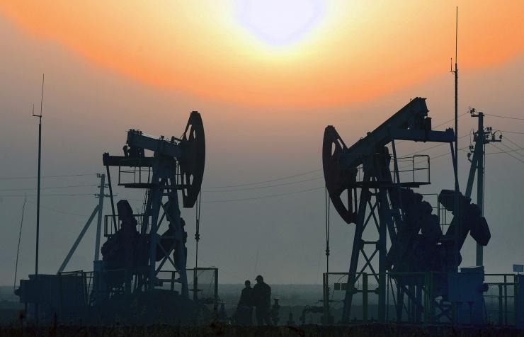 Нефть Brent поднялась выше 57 долларов