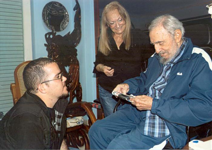 Впервые за полгода опубликованы новые фотографии Фиделя Кастро